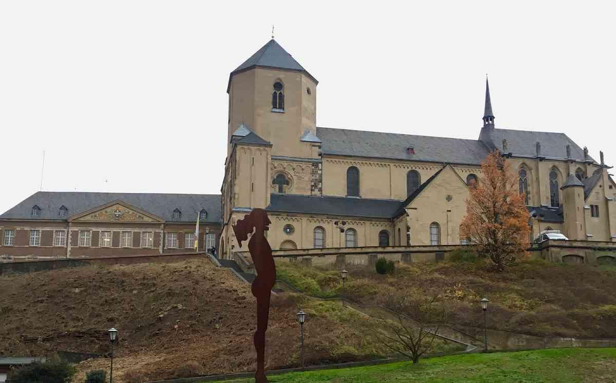 Presse: Der Abteiberg soll im Frühjahr wieder neu ergrünen