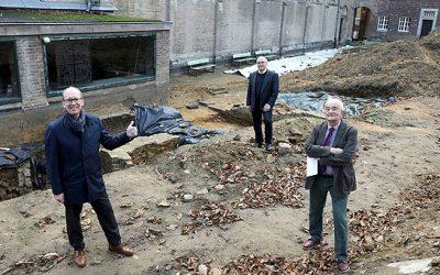 Presse: Volksbank unterstützt den Umbau des historischen Brunnenhofes