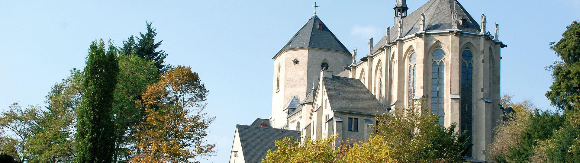 Foto Münster St. Vitus im Frühling